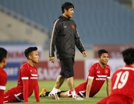 """HLV Hữu Thắng lo lắng về """"bão chấn thương"""" trước trận với Đài Loan"""