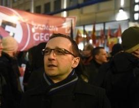Đức ra luật bảo vệ đàn ông: Tránh nuôi 'con người ta'