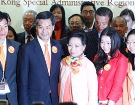 Trưởng đặc khu hành chính Hồng Kông gặp rắc rối vì hành lý sân bay của con gái