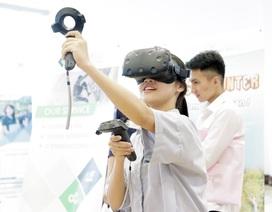 Bạn trẻ mê công nghệ trải nghiệm không gian thực tế ảo ở Google Day X