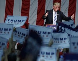 Tỉ phú Donald Trump tuyên chiến với truyền thông