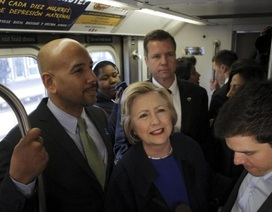 """Hillary Clinton """"phá luật"""" khi vận động tranh cử"""