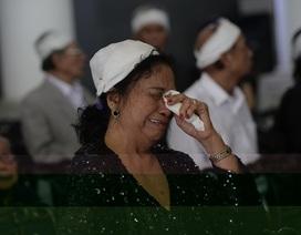 Nghệ sĩ trào nước mắt tiễn biệt NSƯT Phạm Bằng