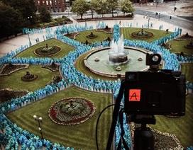 Biển người khỏa thân chụp ảnh tại thủ đô văn hóa sắp tới của Anh