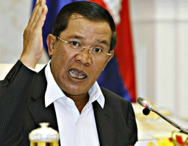 """Thủ tướng Hun Sen tuyên bố """"đình chiến"""" chính trị"""