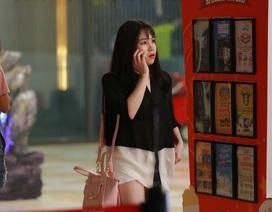 Trương Phương bất ngờ đi xem phim một mình