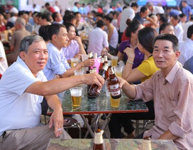 Hàng chục ngàn du khách kéo về Tuyên Quang tham dự Ngày hội Bia Hà Nội