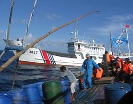 Trung Quốc ngang nhiên cấm đánh bắt cá ở bãi cạn Scarborough