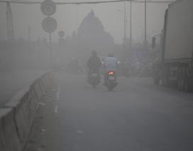 Nhắm mắt phóng xe trên con đường bụi mù như sương