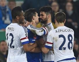 Gareth Barry phủ nhận việc bị Diego Costa cắn
