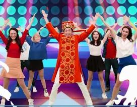 Hoài Linh liều mình làm ca sĩ, tung clip gây sốt