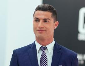 """""""Giải mã"""" cách kiếm và tiêu tiền của siêu sao C.Ronaldo"""