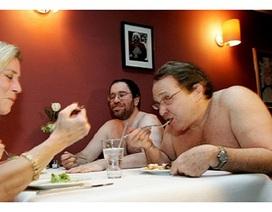 """Nhà hàng khoả thân đầu tiên ở Nhật """"cấm cửa"""" khách béo phì, xăm hình"""