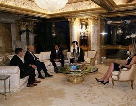 """Dư luận """"dậy sóng"""" vì con gái ông Trump xuất hiện trong cuộc họp với Thủ tướng Nhật"""