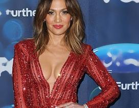 Jennifer Lopez trẻ đẹp hút hồn
