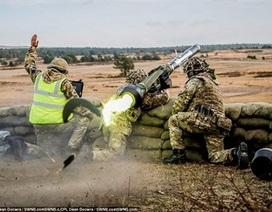 """Biệt kích phương Tây dùng tên lửa bắn nổ """"xe bom điên"""" của IS"""