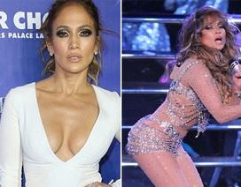 Jennifer Lopez bốc lửa bên bồ kém 19 tuổi