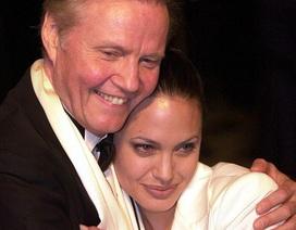Bố Angelina Jolie lần đầu lên tiếng về vụ ly dị của con gái