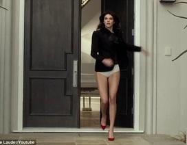 Kendall Jenner ra phố... quên quần