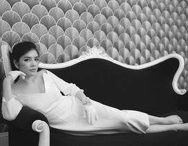 Lý Nhã Kỳ đẹp thanh lịch trong bộ ảnh đen trắng