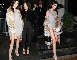 Kendall Jenner khoe chân dài miên man