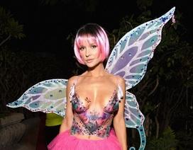Người mẫu Playboy trang trí cơ thể bằng màu vẽ