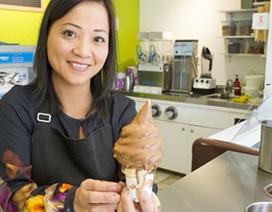 Quán kem của một người Việt ở Canada được bình chọn ngon nhất thị trấn