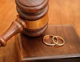 Phó chánh án làm giả quyết định công nhận thuận tình ly hôn đối diện án phạt nào?