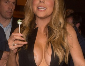 "Mariah Carey bị ""lộ hàng"""