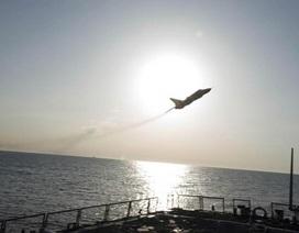 Video máy bay Su-24 của Nga áp sát tàu chiến Mỹ ở biển Baltic