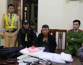 CSGT bắt đối tượng vận chuyển 5kg ma túy đá