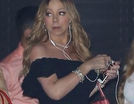 """Mariah Carey đeo """"kín"""" kim cương ra phố"""