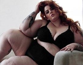 Người mẫu béo vẫn tự tin khoe thân