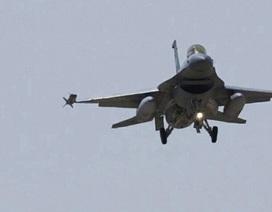Mỹ không khích quân đội Syria, 62 binh sĩ thiệt mạng