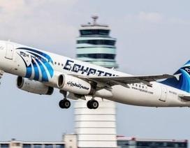 Khói bốc lên từ buồng lái máy bay EgyptAir mất tích