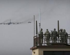 Hai pháo đài bay B-52 của Mỹ lượn gần bán đảo Triều Tiên