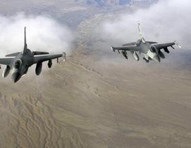 12 máy bay chiến đấu của Mỹ hợp lực dội bom cơ sở chế vũ khí hóa học của IS