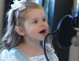 Bé 3 tuổi hát nhạc phim Nàng tiên cá cực đỉnh