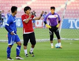 """HLV Miura và hành động """"lạ"""" trước trận gặp U23 Australia"""
