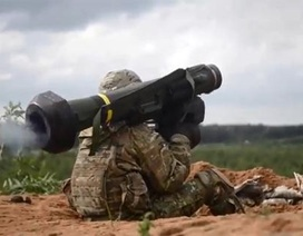 Tên lửa Javelin thị uy sát biên giới Nga