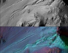 Có khả năng các rãnh trên Sao Hỏa không được hình thành do dòng nước chảy