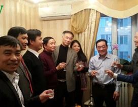 Lãnh đạo cộng đồng Việt Nam tại Odessa chúc Tết bà con tại Làng Sen