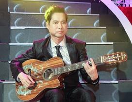"""Ngọc Sơn vừa chơi guitar vừa hát """"đập vỡ cây đàn"""""""