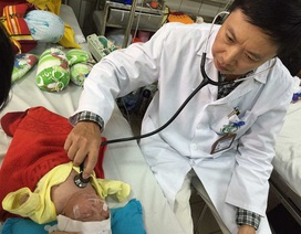 Nhiệt độ ngày- đêm chênh lệch cao: Trẻ nhập viện 3 lần/tháng vì viêm phổi