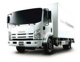 Isuzu tặng 100% phí trước bạ cho khách mua xe tải 5 tấn