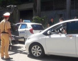 Nữ tài xế cố thủ, chống đối cảnh sát đối mặt với án phạt nào?