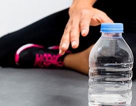 Uống gì trong khi tập luyện?