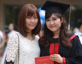 Nữ thủ khoa nhận việc khi chưa tốt nghiệp