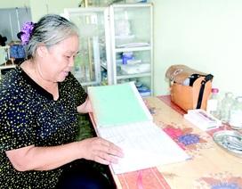 """Nữ y tá 35 năm """"lập chốt"""" cứu người gặp nạn trên xa lộ"""