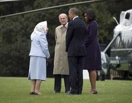 """""""Tối hậu thư"""" của Nữ hoàng Anh cho ông Obama: Chỉ 3 trực thăng"""